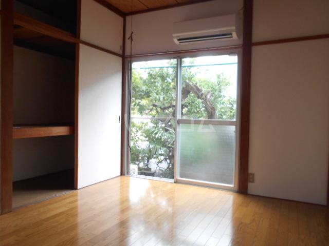 リバー橋本 1号室のリビング