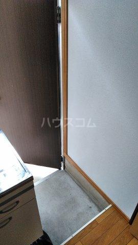 リバー橋本 1号室の玄関