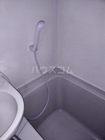 第二パーク越谷 301号室の風呂
