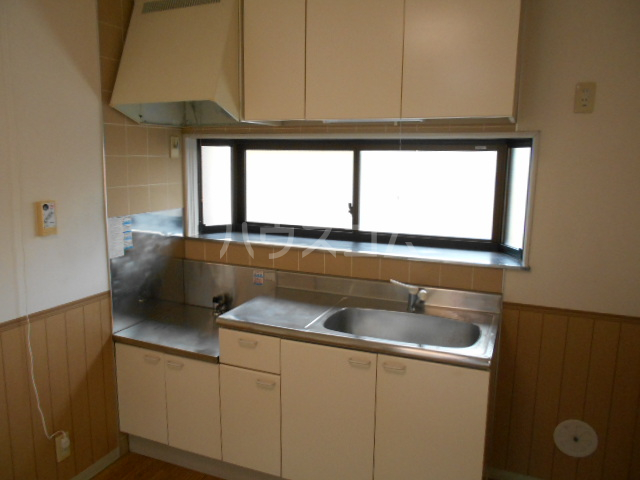 第8メゾン坂巻 201号室のキッチン