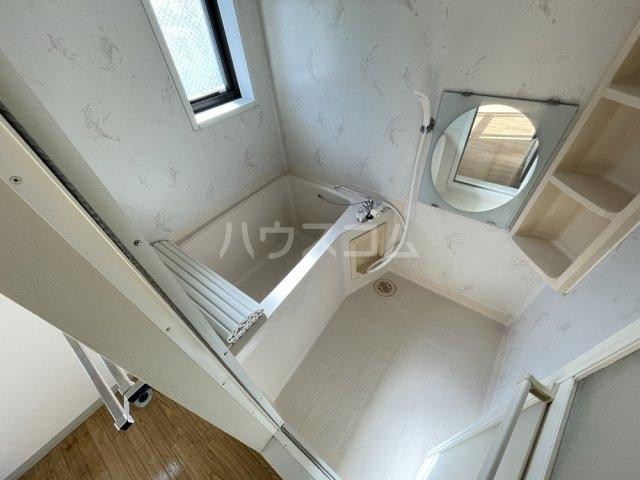 第8メゾン坂巻 201号室の風呂