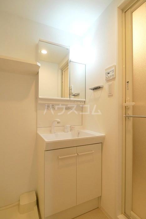 ラフィスタ新小岩Ⅱ 702号室の洗面所