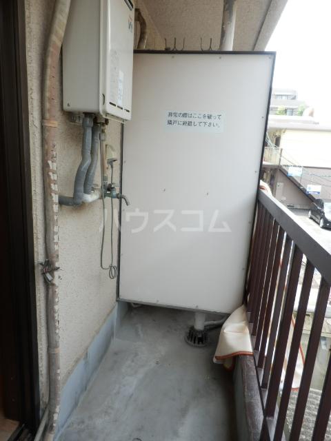 ラサール青柳 102号室のバルコニー