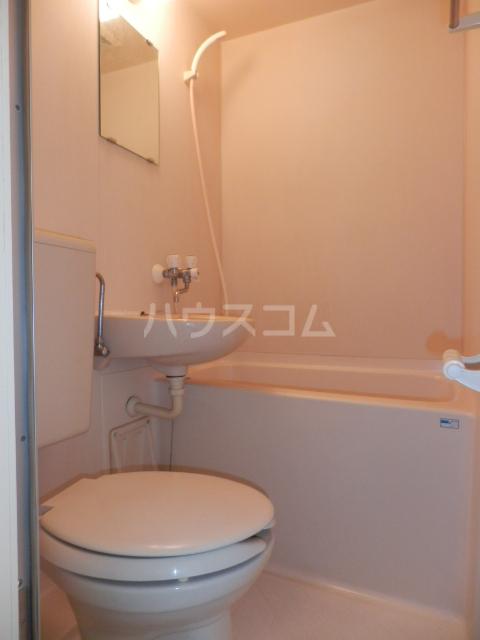 ラサール青柳 102号室のトイレ