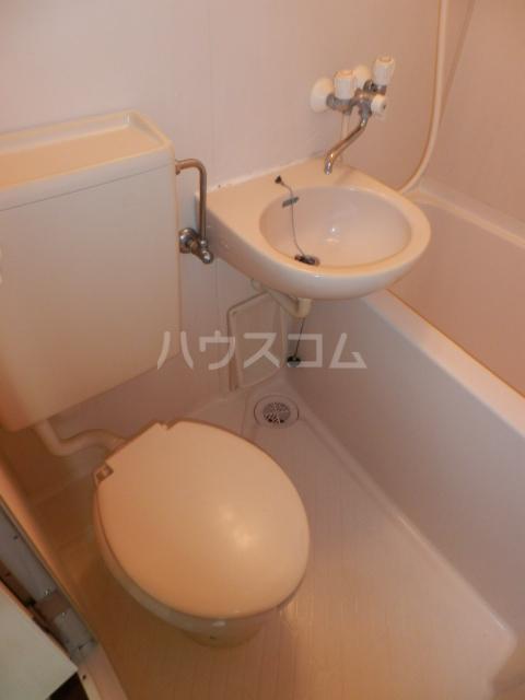 ラサール青柳 102号室の洗面所