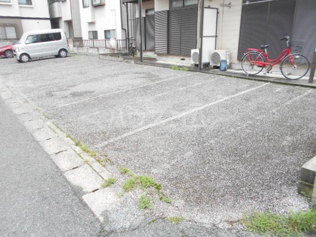 ハイツ福田 202号室の駐車場