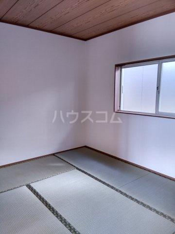 オレンジハウス森田弐番館 203号室の居室