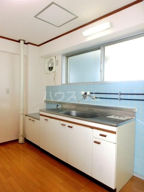 フォレストフィールド 303号室のキッチン