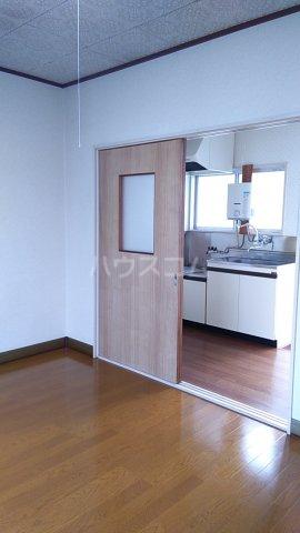 三井ハイツ 205号室のベッドルーム