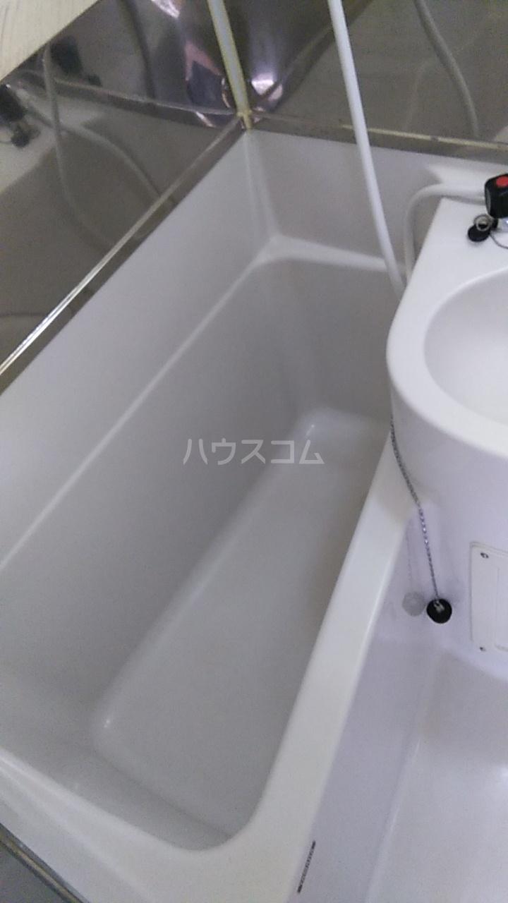 三井ハイツ 205号室の風呂