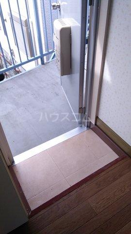 三井ハイツ 205号室の玄関