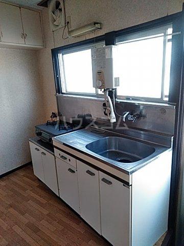 横山荘 101号室のキッチン