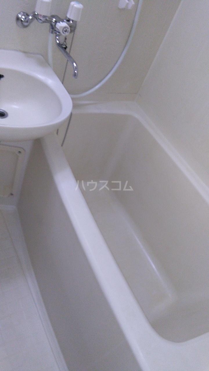 メゾン湘南 102号室の風呂