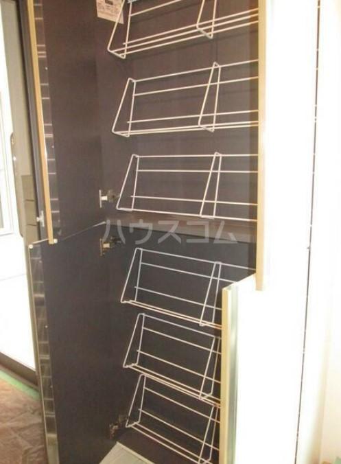 フェリーチェ荻窪Ⅱ 102号室の玄関