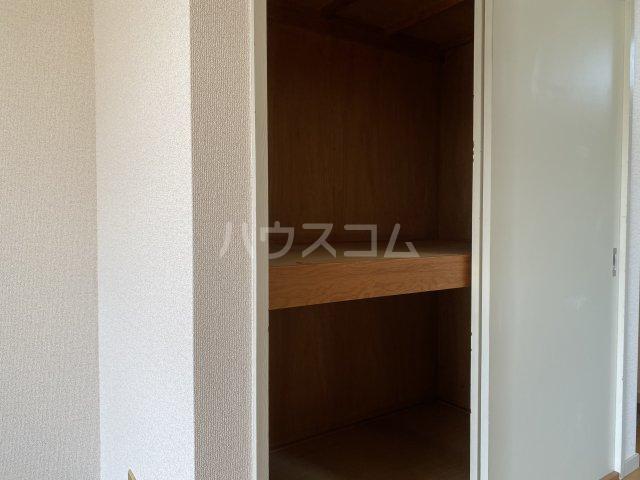 セフィーロ深大寺 205号室の玄関