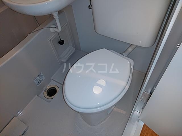 諸星荘 203号室のトイレ