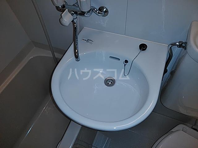 諸星荘 203号室の洗面所