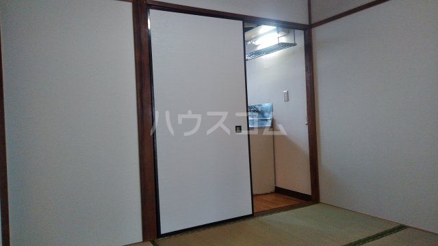 コーポ﨑玉 202号室の居室