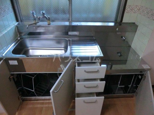コーポ由利 102号室のキッチン