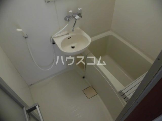 グリーンハイツ 202号室の風呂