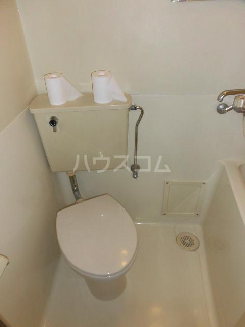 ライズ東小金井 203号室のトイレ