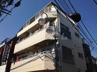 川名ハイツの外観