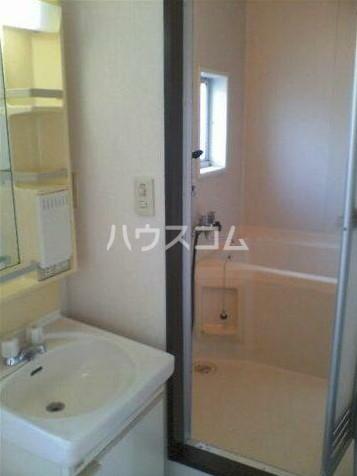 KOU 201号室の洗面所