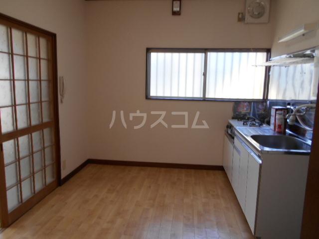 ひかりコーポ 202号室のキッチン