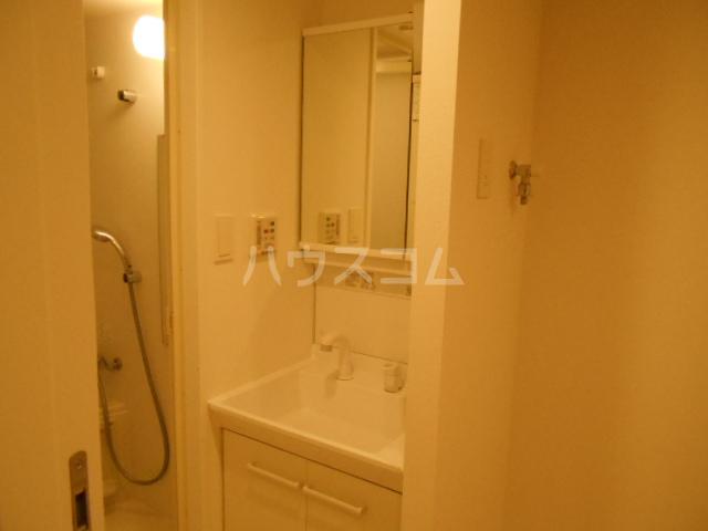 リヴシティ大泉学園 311号室の洗面所
