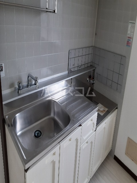 アプラムラピュタ 102号室のキッチン