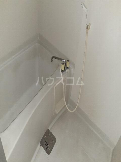アプラムラピュタ 102号室の風呂