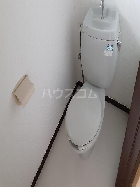 アプラムラピュタ 102号室のトイレ