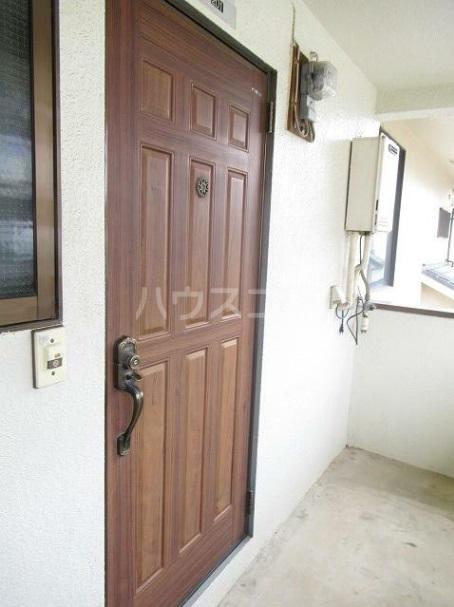サンハイツフジ 201号室の玄関