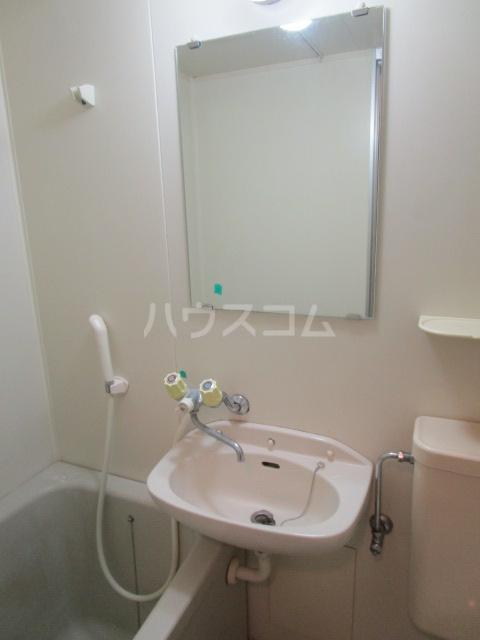 コーポ小町 101号室の洗面所