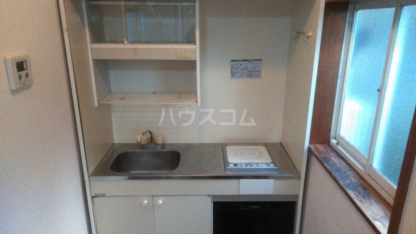 アゼリアハイツ 103号室のキッチン