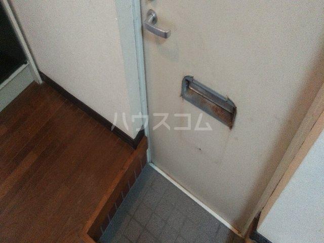 アゼリアハイツ 103号室の玄関