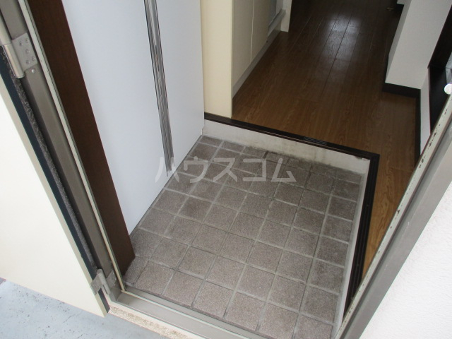 パレス萩 201号室の玄関