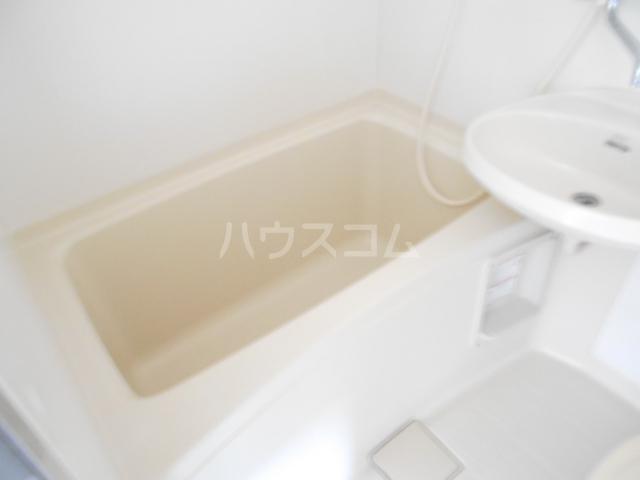 第2あずみの荘 201号室の風呂