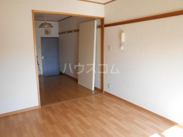第1あずみの荘 202号室の居室