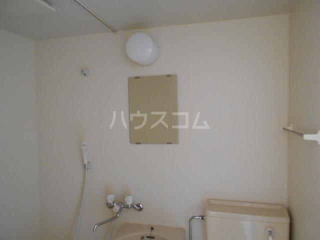 第1あずみの荘 202号室の風呂
