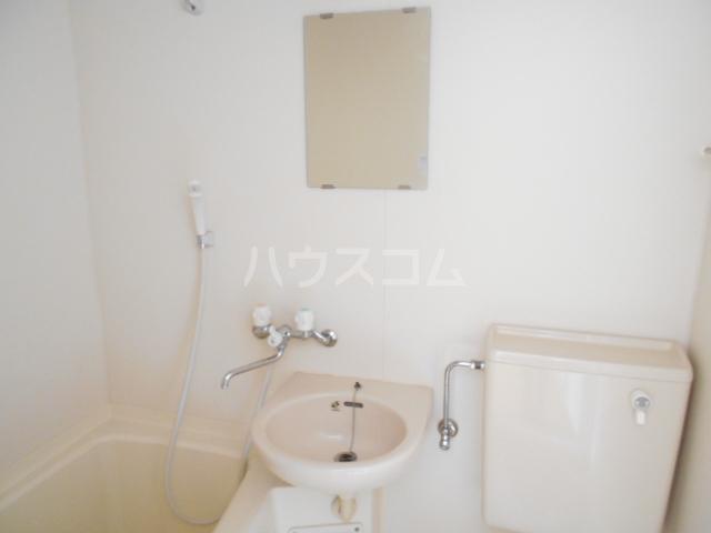 第1あずみの荘 202号室の洗面所