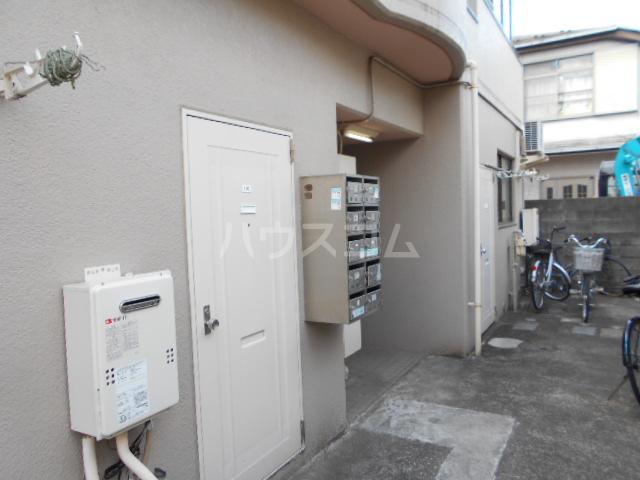 三澤ハイツ 305号室のエントランス