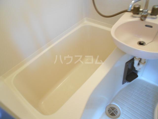 三澤ハイツ 305号室の風呂