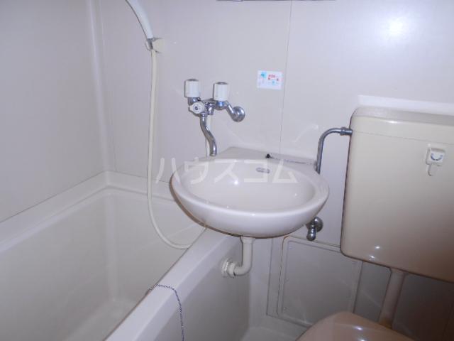 コーポウィンズ府中 207号室の洗面所