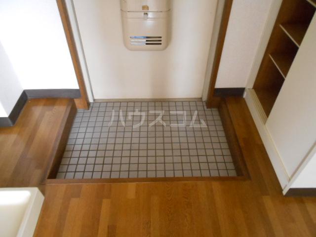 コーポウィンズ府中 207号室の玄関