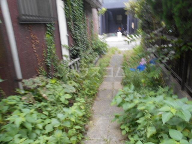 コーポ種松 201号室の庭
