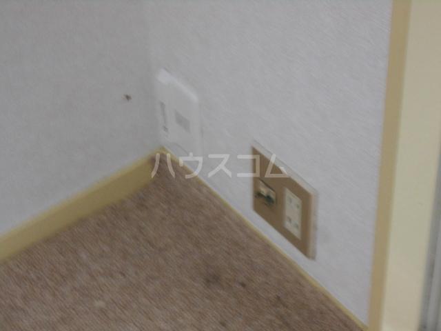 コーポ種松 201号室の玄関