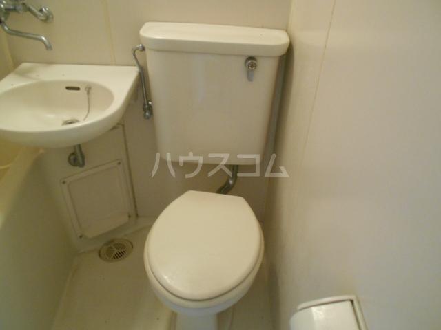 コーポ種松 201号室のトイレ