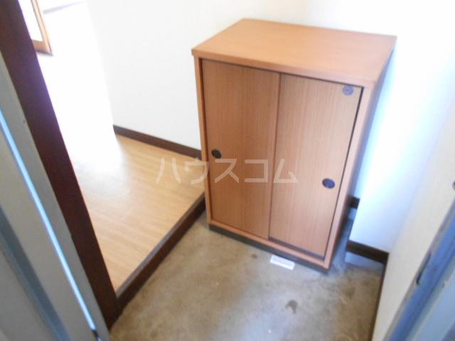 三澤ハイツ 202号室の玄関