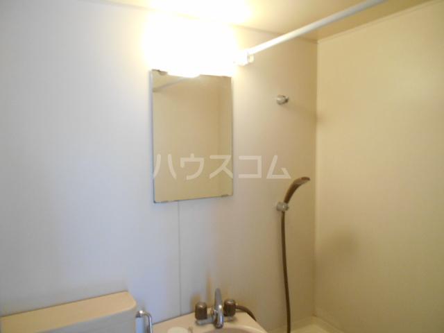 三澤ハイツ 202号室の洗面所